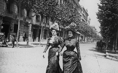 mujeres de paseo